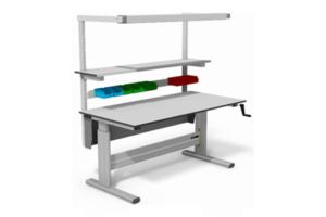 handmatig verstelbare werktafel met o.a. bakjesrail