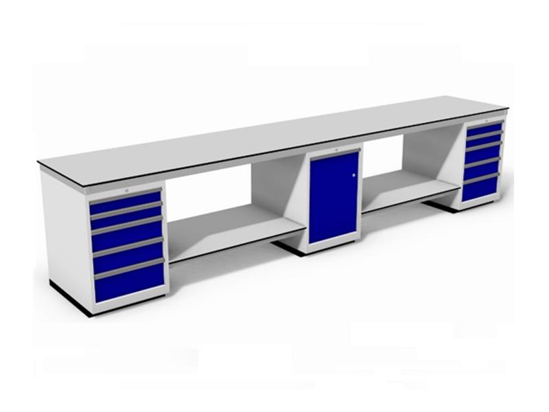 vlakke werktafel gebouwd op ladeblokken incl. onderbladen