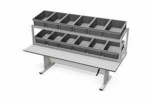 handmatig verstelbare tafel voorzien van twee bakkenrekken