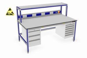 ESD-veilige werktafel met opstand, energiegoot en twee ladekasten